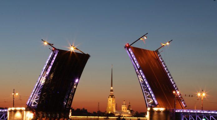 Санкт Петербург, разводные мосты, достопримечательности