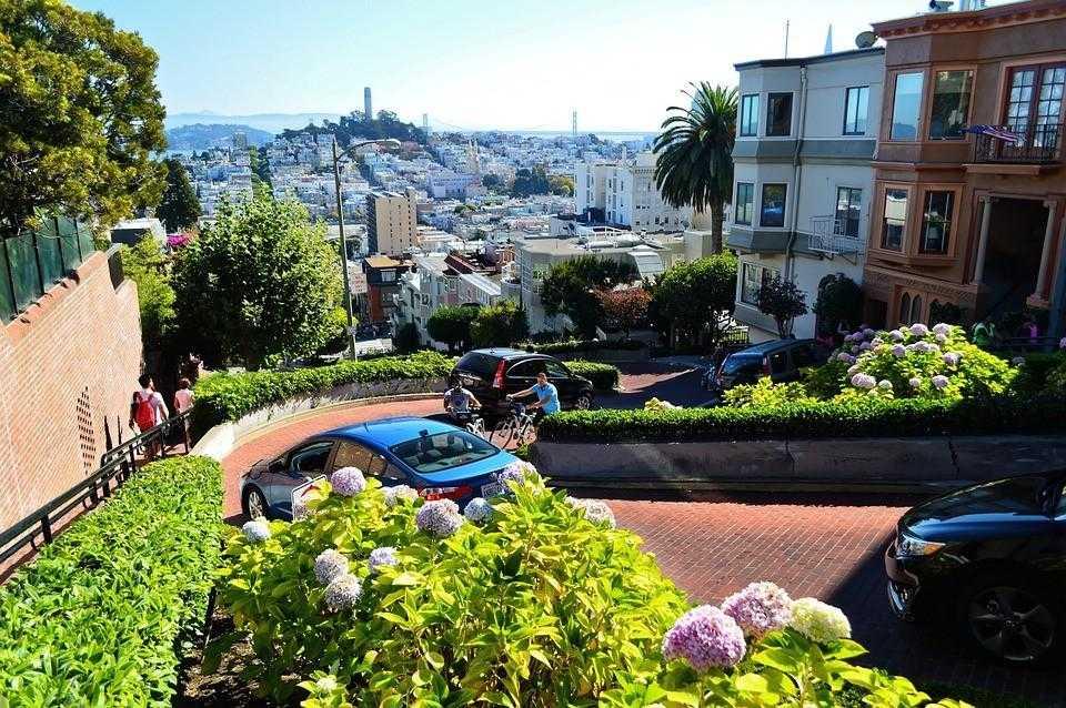 холмистая дорога Сан Франциско